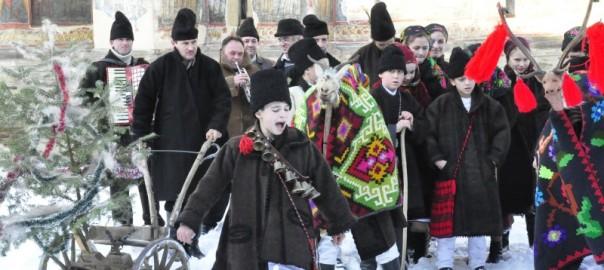 plugusorul-de-sf-vasile-la-manastirea-moldovita_44980323